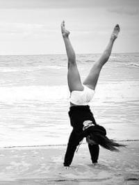 Gymnastik am Strand